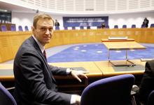 ЕСПЧ присудил Навальному больше €22 000 из-за домашнего ареста по делу «Ив Роше»