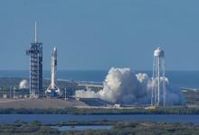 Первый пошел. SpaceX запустила пилотируемый корабль Crew Dragon