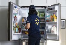 Walmart запустит доставку товаров прямо до холодильника