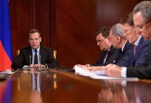 Медведев прописал сроки подготовки «регуляторной гильотины»