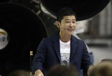 «У меня ни гроша»: первый космический турист SpaceX распродает картины из своей коллекции