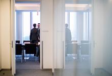 Прятки от американцев. Банки и компании скрывают данные для спасения от санкций