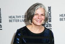 «Прививки — лучший способ оставаться здоровым». Интервью с экспертом по инфекционной безопасности Джули Гербердинг