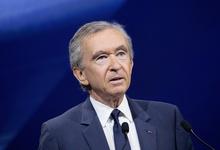 Владелец Louis Vuitton и Hennessy стал богаче Уоррена Баффета