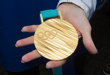 Олимпийские медали для игр в Токио сделают из утилизированных смартфонов