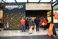 Чужая территория: зачем Alibaba мебельный магазин, а Facebook площадь в универмаге