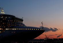 «США, спасите нас»: как тысячи туристов спасаются от коронавируса и скуки на карантинном лайнере