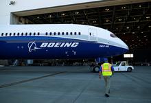 Оставить с носом: зачем Boeing избавляется от своих поставщиков