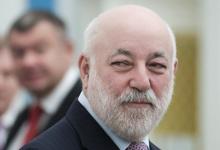 Виктор Вексельберг продал акции производителя воды из озера Байкал