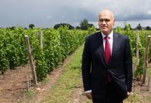 Достойная награда: российский миллиардер подарил сборной Франции 25 ящиков вина