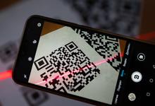 Сбербанк запустил сервис оплаты покупок по QR-коду быстрее ЦБ