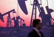 Вслед за черным золотом. Рубль вновь стал зависеть от цен на нефть