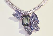 Гортензии из бриллиантов, эмаль и хрусталь: пять подарков для нее