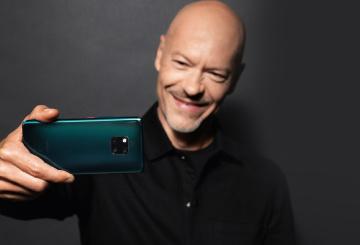 Можно ли снять кино на смартфон? - отвечает Федор Бондарчук