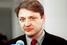 Александр Ткачев впервые победил на выборах губернатора Краснодарского края в том же году, что Владимир Путин — на выборах президента России, – в 2000-м. С тех пор он бессменно руководил регионом, который в годы путинского правления обрел особый статус.