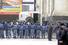 Сотрудники полиции у здания вокзала