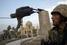 Статуя Саддама Хусейна в Багдаде