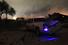 Взрывная волна повредила близлежащие дома и транспортные средства.