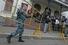 Перед зданием Ленинского районного суда в Кирове утром в четверг усилили меры безопасности
