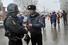 Сотрудники спецподразделений МВД на месте взрыва