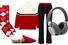 Носки, Burberry; мюли, Gucci; пуловер, брюки, все — Madeleine Thompson;наушники,B&O Play