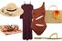 Шляпа, Eugenia Kim; туника, Skin; купальник, Solid & Striped; сумка, Nannacay; полотенце, The Beach People; сандалии,Giuseppe Zanotti Design