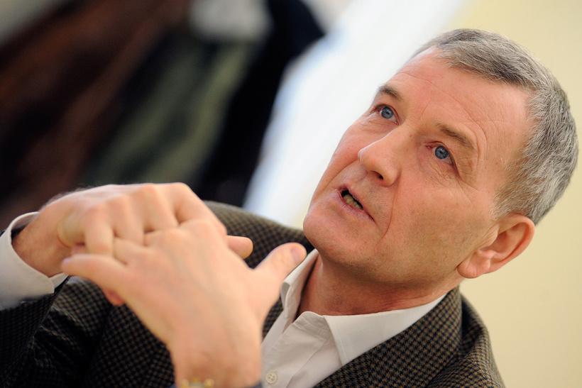 Сергей Петров, 64 года