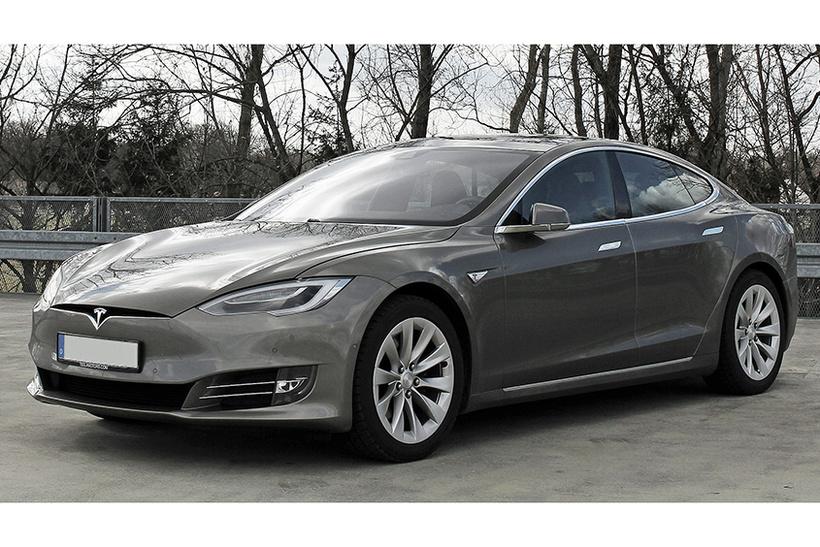 Илон Маск и Tesla Model S