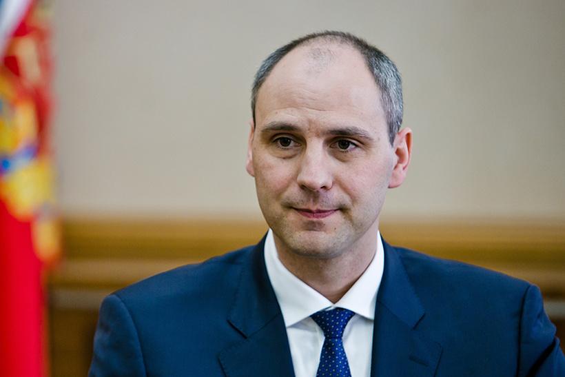 Денис Паслер, врио губернатора Оренбургской области: комната в общежитии в Великобритании