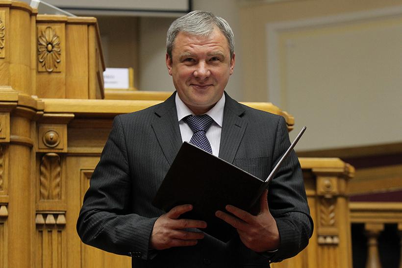 Жена депутата Госдумы Сергея Петрова (на фото)