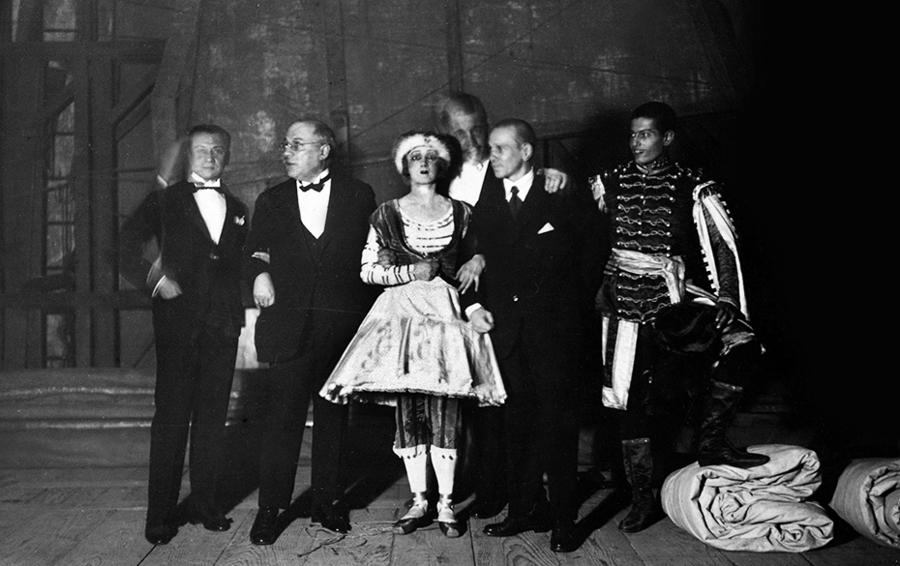 Балет Игоря Стравинского «Весна священная» (постановка 1913 года) на открытии фестиваля в Авиньоне в 1995 году