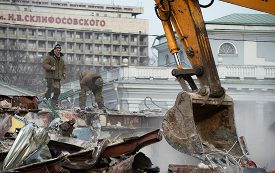 Сносом ларьков мэр Собянин обрел постоянную политическую фронду.