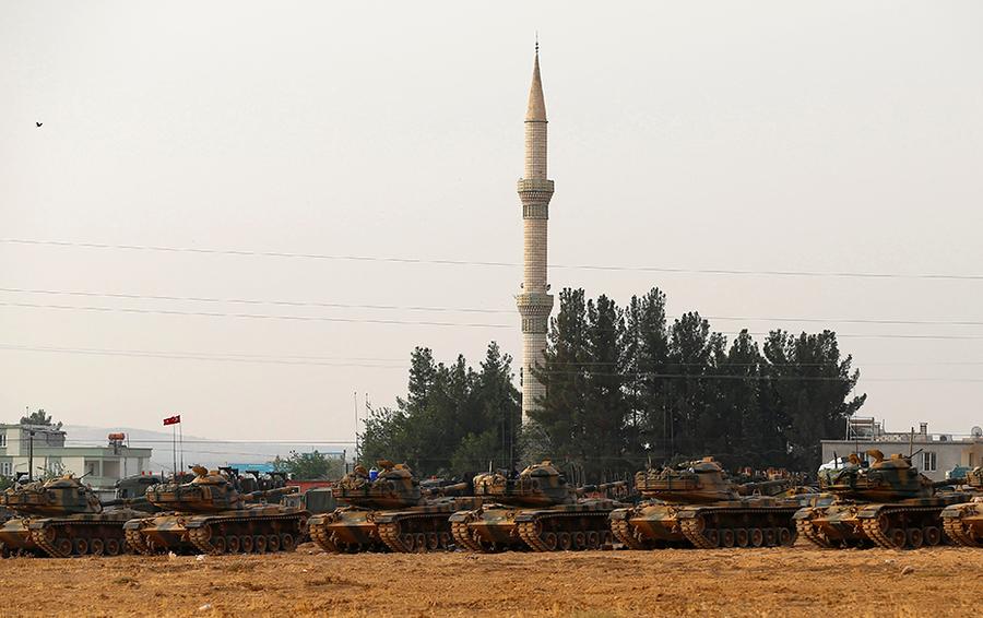 Турецкие танки в провинции Газиантеп на границе с Сирией