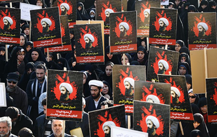 Демонстрация у посольства Саудовской Аравии в Тегеране.