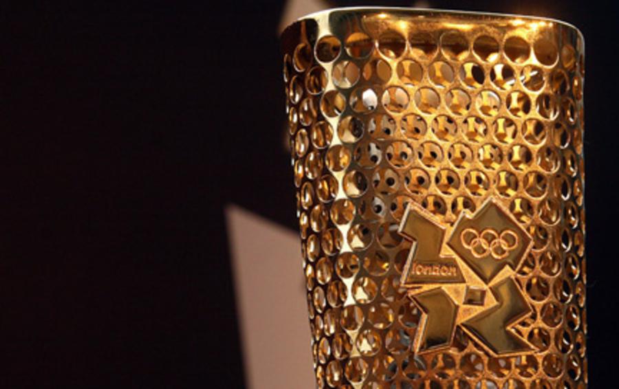 На Миланской неделе дизайна публике впервые представят Олимпийский факел лондонских Игр-2012, созданный британскими дизайнерами Эдвардом Барбером и Джеем Осджерби