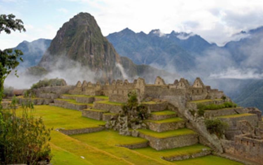 Мачу-Пикчу - обязательный пункт тура по Латинской Америке