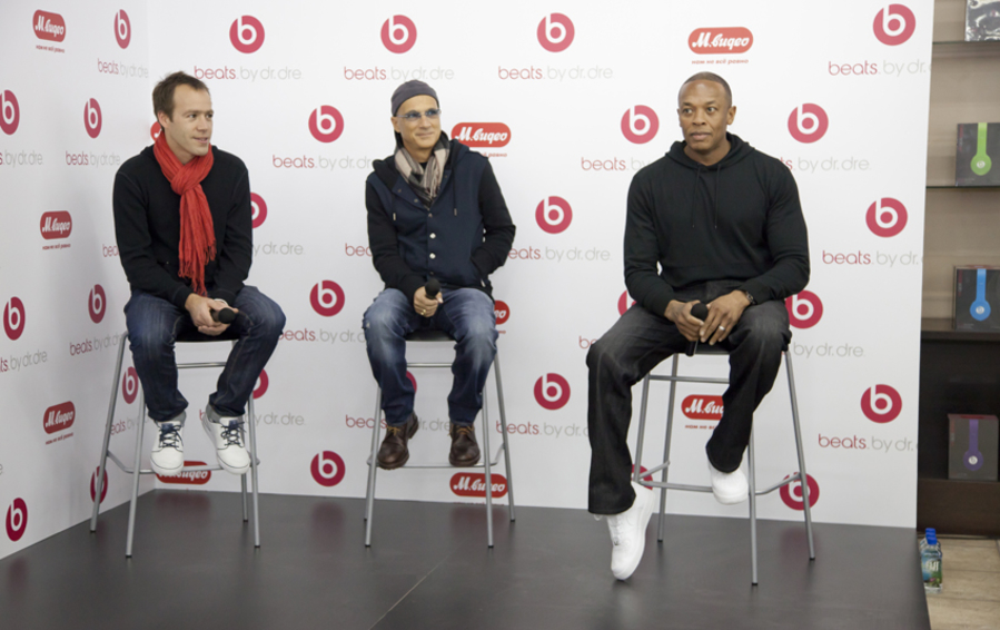 Люк Вуд, CEO Beats by Dr.Dre, сооснователи Джимми Айовин и Dr.Dre