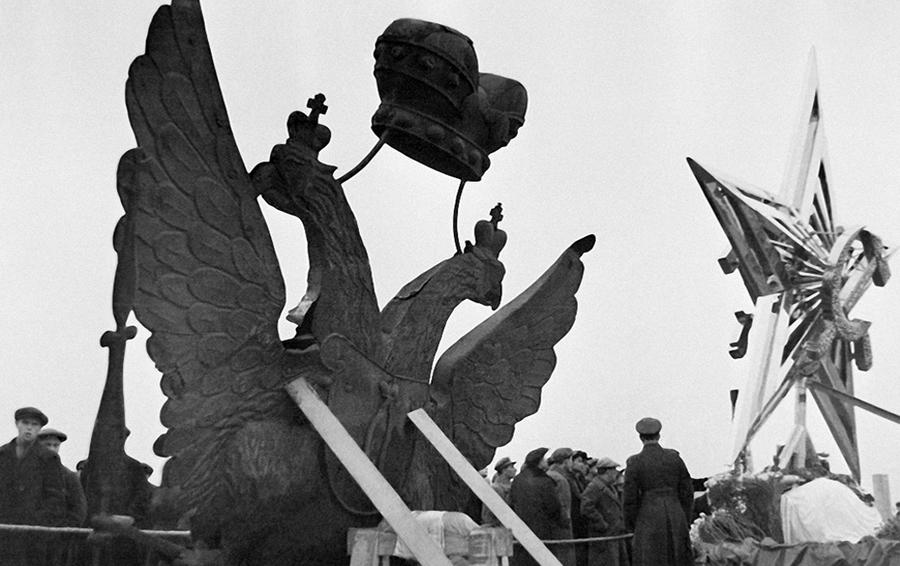 1935 год. Орлов меняют на звезды