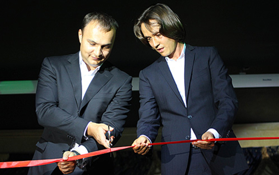 Владелец Royal Time Group Рашид Таймасов (справа) на открытии второй очереди казино «Оракул» в «Азов-сити»