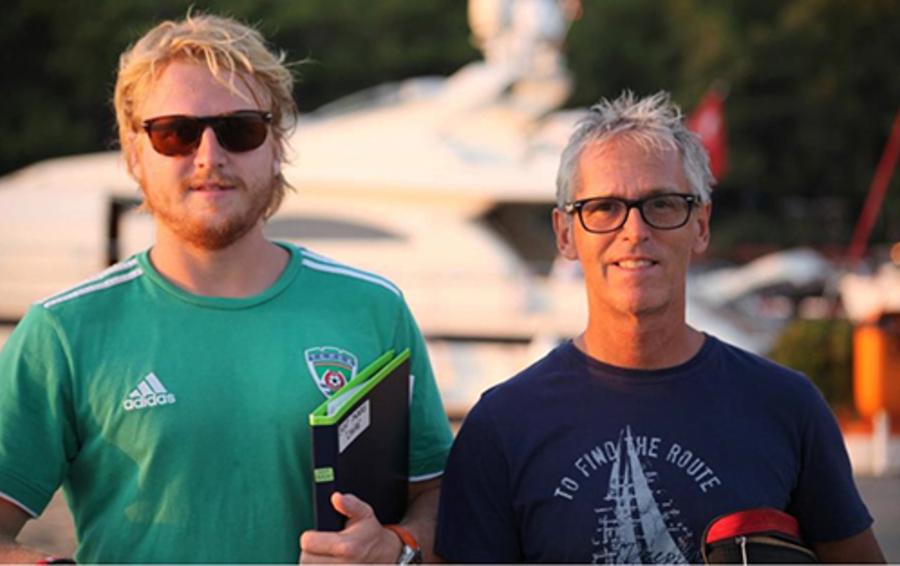 Дерк Сауэр (справа) с сыном Томом
