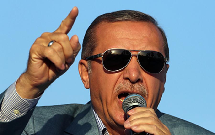 Реджеп Эрдоган с восторгом относится к Владимиру Путину, но не собирается быть его союзником