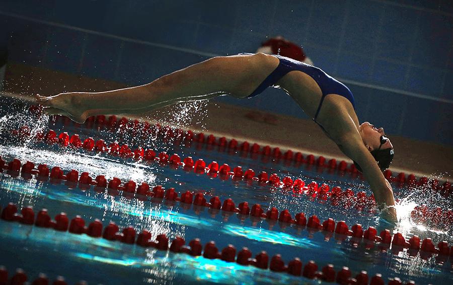 Спортсменка сборной России по плаванию в тренировочном центре сборных команд России