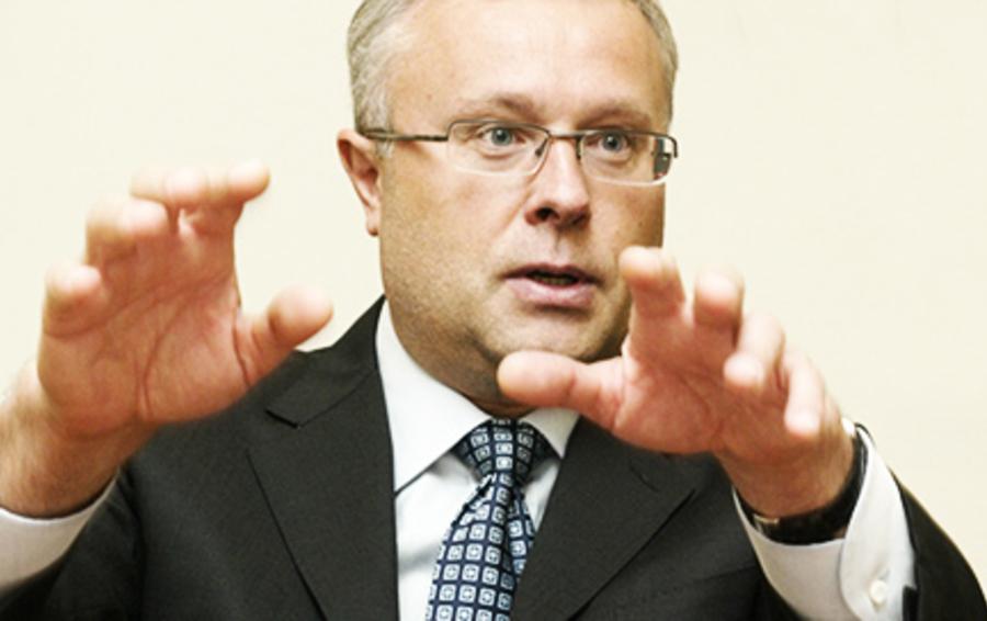 Британские СМИ часто характеризуют Александра Лебедева 'ex-KGB spy'