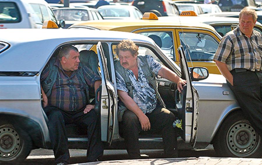 Нелегальные таксисты Новосибирска и Нижнего Новгорода могут остаться без работы из-за международного сервиса