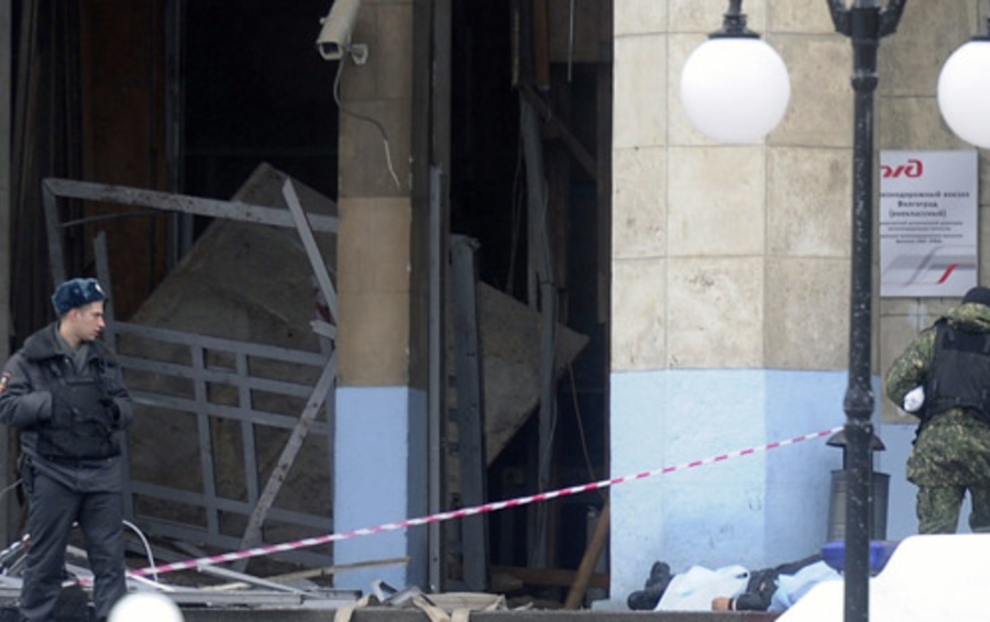 Здание ж/д вокзала после взрыва