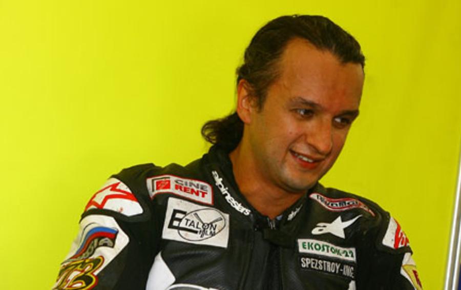 Олег Позднев — совладелец кинокомпании «Эталон-фильм» и пилот команды Riva Moto