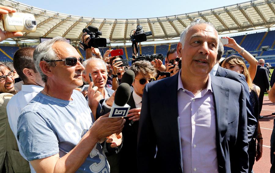 Джеймс Палотта (на фото справа) сражался с итальянской бюрократией много лет, но пока так и не добился собственного стадиона для «Ромы»