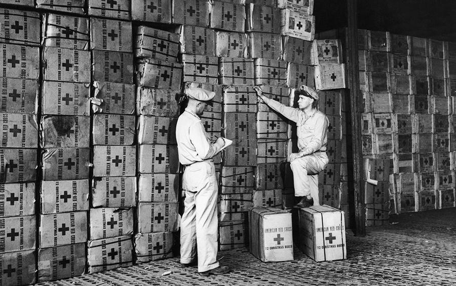 Американские работники Красного Креста.