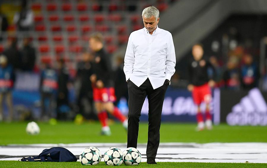 Главный тренер «Манчестер Юнайтед» Жозе Моуринью зарабатывает €28 млн, из них больше €12 млн ему приносят рекламные контракты