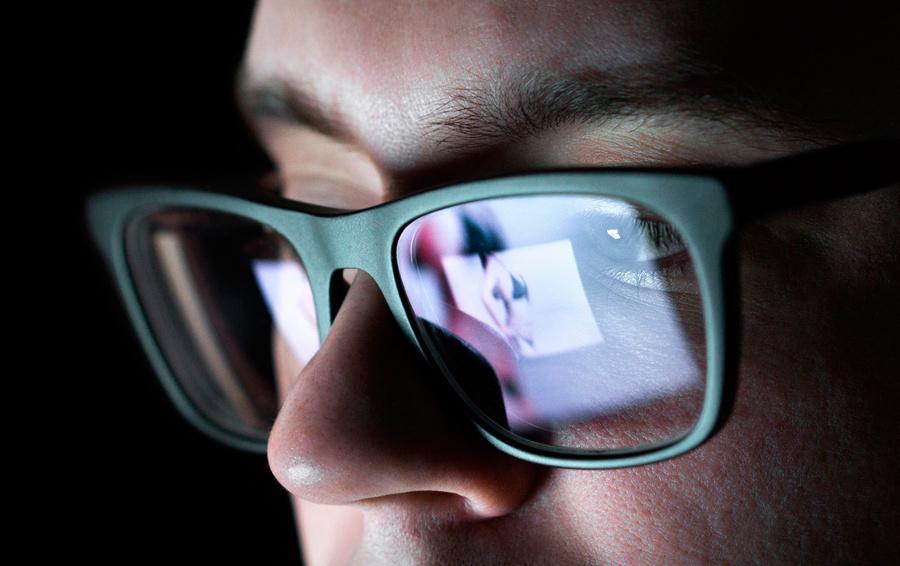 Право на приватность. Что такое «порноместь», и как закон защищает от нее женщин